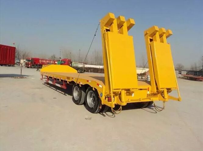30T 50T 80T heavy duty Low flatbed trailer truck with FOTON HOWO ISUZU tractor